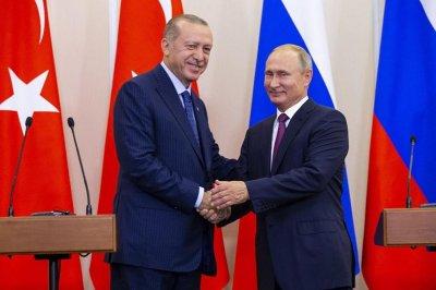 Путин покани Ердоган на Парада на победата