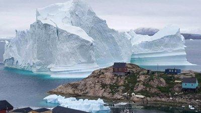 Топенето на ледовете в Гренландия е повишило нивото на моретата с 11 мм