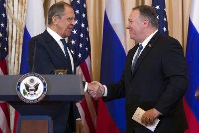 Помпео заплаши Русия да не се намесва в президентските избори в САЩ