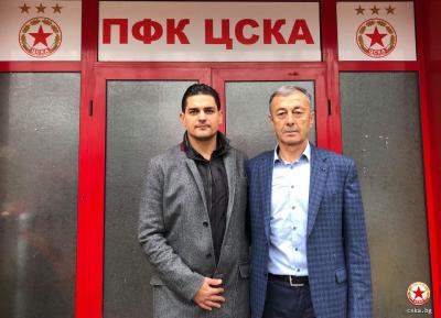 И адвокат Василев дари парите си за ЦСКА