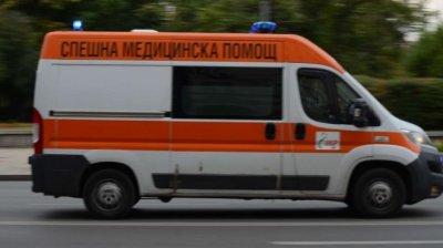 Шофьор е с опасност за живота след катастрофа в Добрич