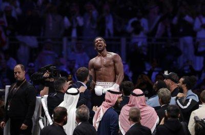 Джошуа иска бой с Кобрата, българинът го поздрави за победата над Руис