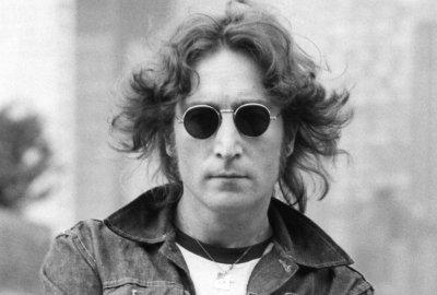 Продадоха за 183 хил. долара кръглите очила на Джон Ленън (СНИМКИ)