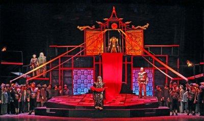 Световноизвестни певци гастролират в Софийската опера