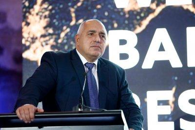 Борисов пита данъкоплатците: Да сложим ли ВАР на стадионите?