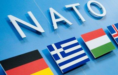 """НАТО не може да си позволи страни членки """"паразити"""", отсече шефът на Пентагона"""
