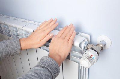 Все повече българи взимат помощи за отопление
