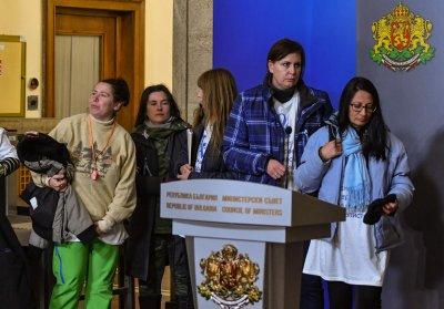 Медсестрите при Младен Маринов за злоупотребите в болниците