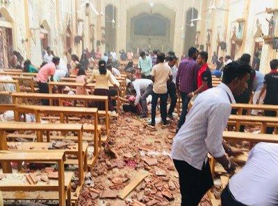 9 са атентаторите-самоубийци в Шри Ланка