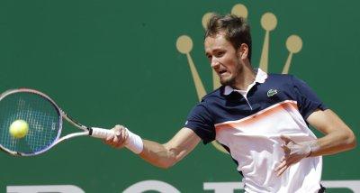 Медведев спря Джокович в Монте Карло