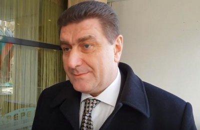 """Само в Lupa.bg: Златев сдал кабинета си в """"Лукойл"""" още преди 3 седмици"""