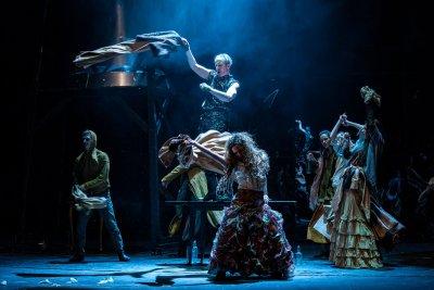 """""""Братя Карамазови"""" в Народния театър – едно разтърсващо пътуване в човешката душа"""