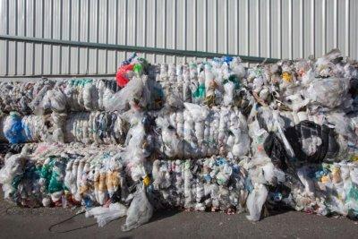В Бургас: Откриха още 20 контейнера с италиански боклук