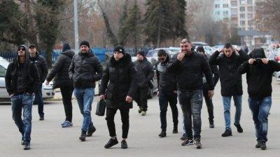 Стартира срещата между фенове на Левски и Васил Божков