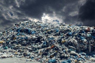 Италианската мафия съхранява боклука си в България?