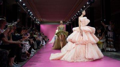 Започва парижката седмица на модата