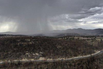 Най-после! В Австралия заваля дъжд над пожарите