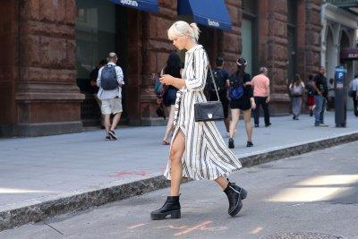 Елегантна стрийт мода с кубинки