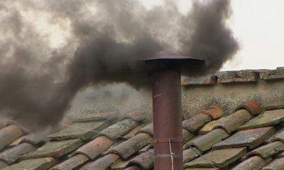 На дърва и въглища се греят 1 милион и 437 хиляди домакинства