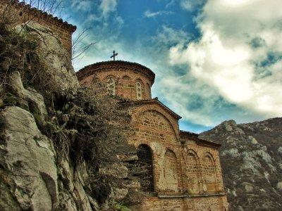 Трагедия! Мъж умря, след като се замозапали на Асеновата крепост