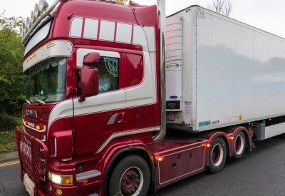 Екстрадират единия от обвиняемите за камиона-ковчег в Есекс