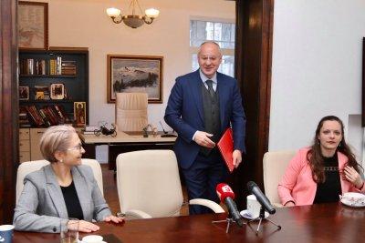 Станишев нападна ръководството на БСП