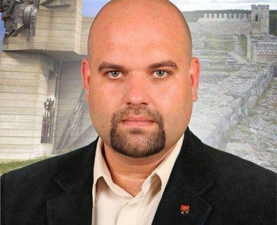 Деан Станчев замени Ревизоро в парламента
