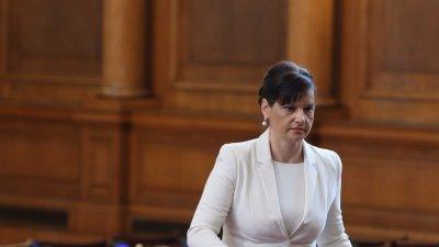 Дариткова: Няма да има резултат от вота на недоверие на БСП
