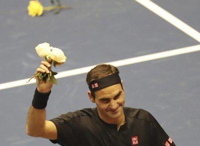 Федерер се поти 4 часа срещу Милман, но изстрада победата си с 3:2