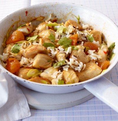 Пиле с ориз на тиган