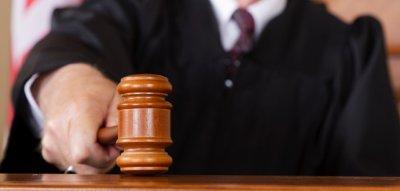 Няма да вдигат заплатите на съдиите
