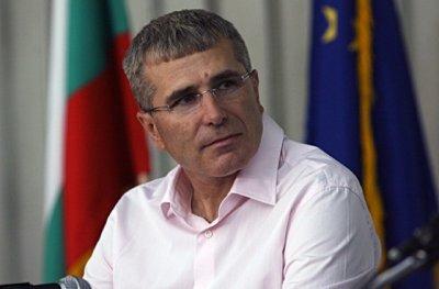 """Ковачки съди Кирил Добрев, обиден, че е наречен """"бизнесмен от Сейшелите"""""""