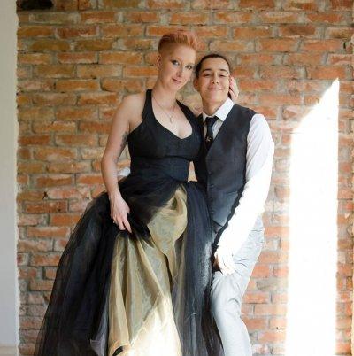 Първо в Lupa.bg: Дъщерята на Петър Пунчев се омъжи за жена