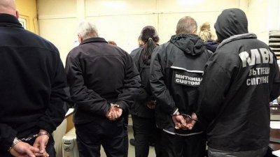 МВР пусна видео от ареста на митничарите