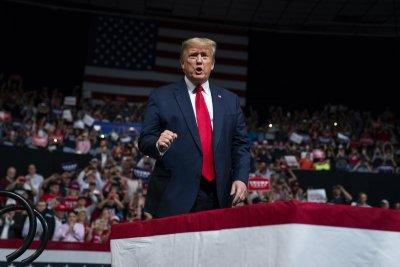 Тръмп с нападки към претендентите за президент на демократите
