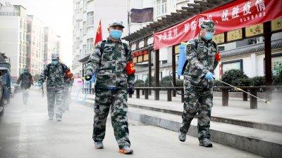 """Страхът от """"китайския"""" вирус напредва като цунами"""