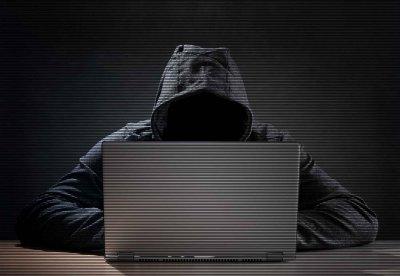 Искат арест за наш хакер във Франция