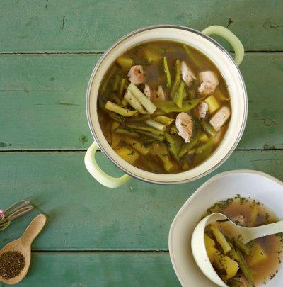 Пилешка супа със зелен фасул