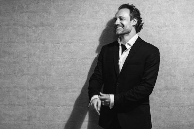 Софийска филхармония чества годината на Бетовен с маестро Саша Гьотцел