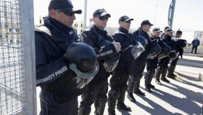 НАПРЕЖЕНИЕ: МВР праща жандармерия на браздата с Турция