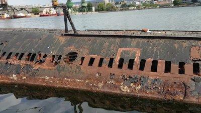 Каракачанов купува подводници