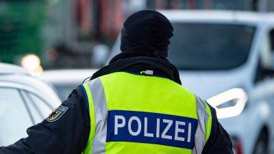 Германската полиция: Колата се е врязла в карнавалното шествие умишлено
