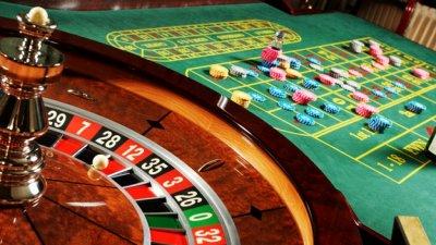 Играч в казино наръган с нож