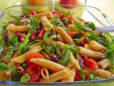Средиземноморска салата с рукола