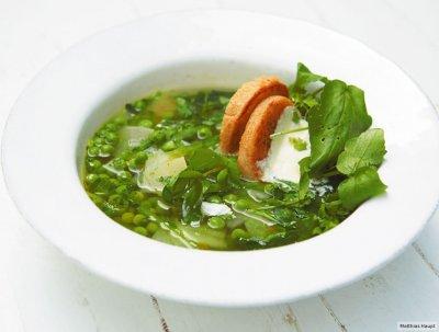 Бистра зелена супа