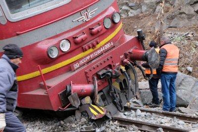 Влак уби млад мъж в София