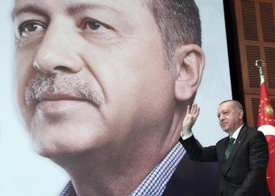 Ердоган скочи на Макрон за арменския геноцид