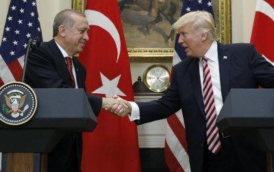Ердоган предложи на Тръмп обща работна група за руската С-400