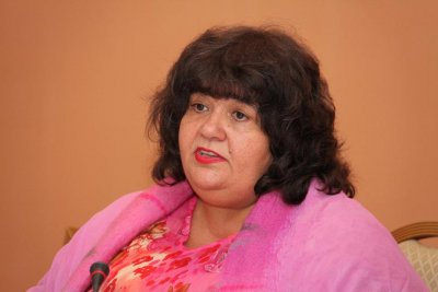 Политологът проф. Дронзина: Временното ограничаване на правата ще спаси живота ни