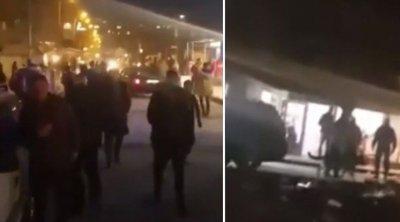 Спецполицаи в Столипиново разпръсват орди от хора по улиците